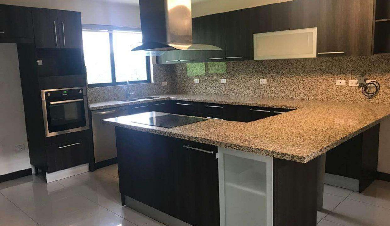 venta-casa-santa-ana-en-condominio-premier-propiedades (18)