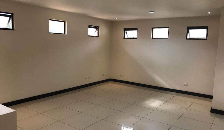 venta-casa-santa-ana-en-condominio-premier-propiedades (19)