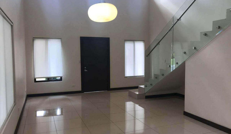 venta-casa-santa-ana-en-condominio-premier-propiedades (3)