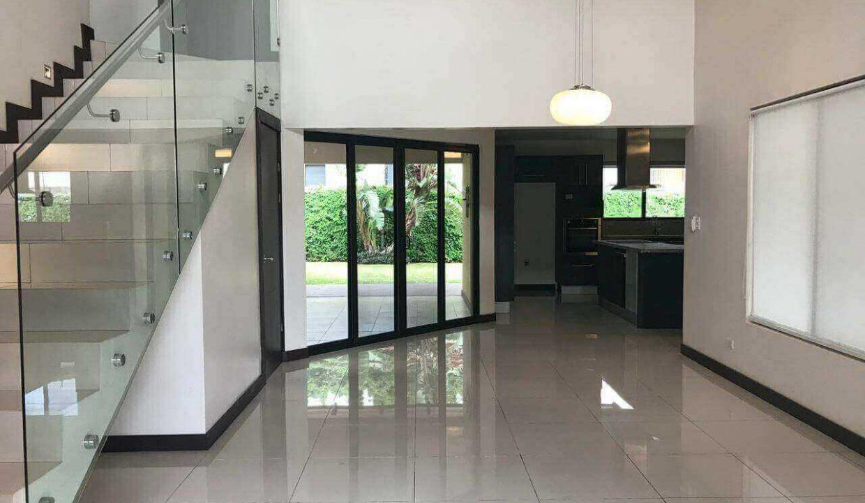 venta-casa-santa-ana-en-condominio-premier-propiedades (5)