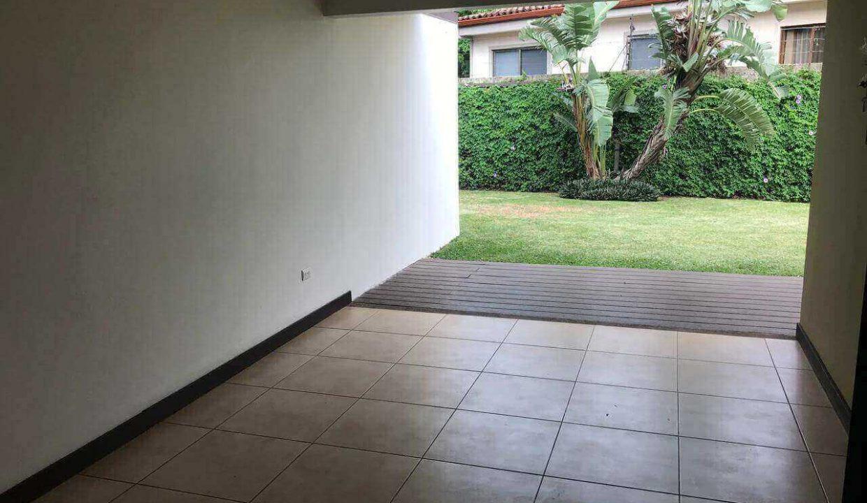 venta-casa-santa-ana-en-condominio-premier-propiedades (9)