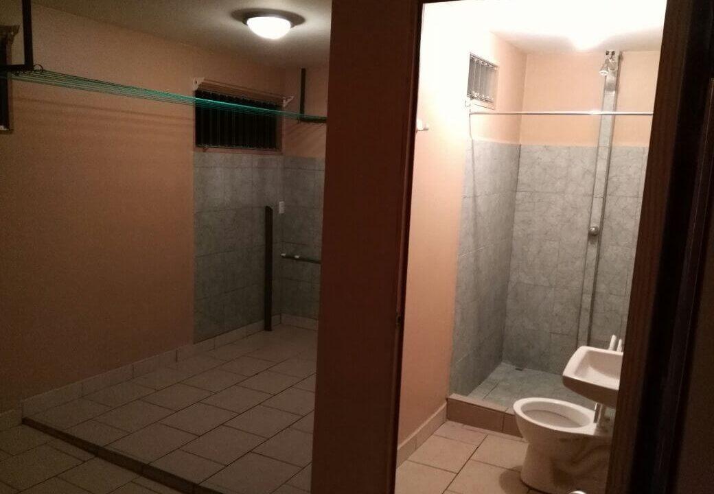 venta-casa-con-apartamentos-piedades-santa-ana-premier-propiedades (24)