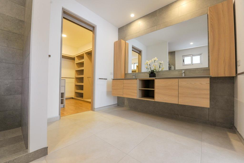 venta-casa-en-condominio-lindora-santa-ana-premier-propiedades (1)