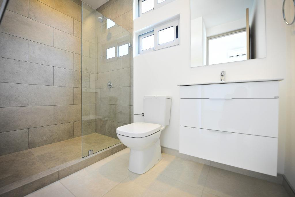 venta-casa-en-condominio-lindora-santa-ana-premier-propiedades (2)