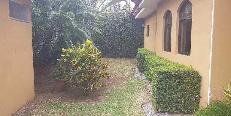 San-rafael-de-escazú-guachipelín-residencial-quinta-real-de-pereira-norte-calle-las-palomas-premier-propiedades (1)