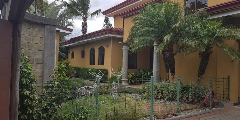 San-rafael-de-escazú-guachipelín-residencial-quinta-real-de-pereira-norte-calle-las-palomas-premier-propiedades (15)