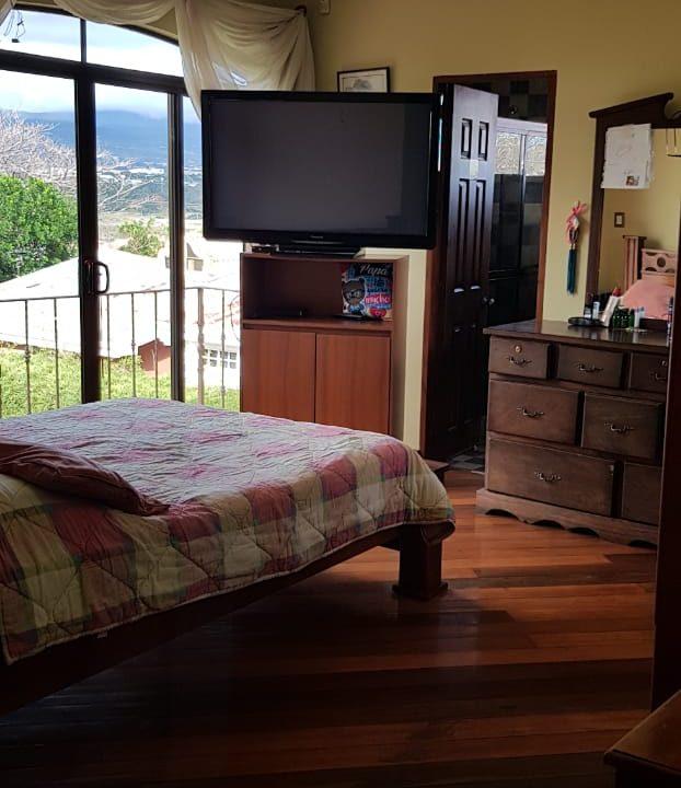 San-rafael-de-escazú-guachipelín-residencial-quinta-real-de-pereira-norte-calle-las-palomas-premier-propiedades (18)