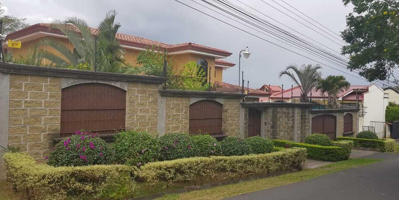 San-rafael-de-escazú-guachipelín-residencial-quinta-real-de-pereira-norte-calle-las-palomas-premier-propiedades (4)