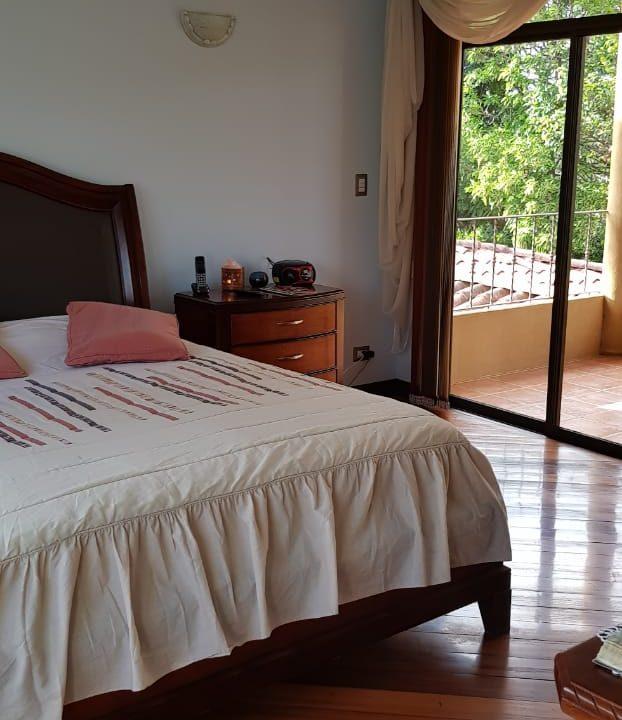San-rafael-de-escazú-guachipelín-residencial-quinta-real-de-pereira-norte-calle-las-palomas-premier-propiedades (9)