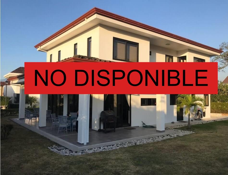 Alquiler casa en condominio Los Balcanes Santa Ana