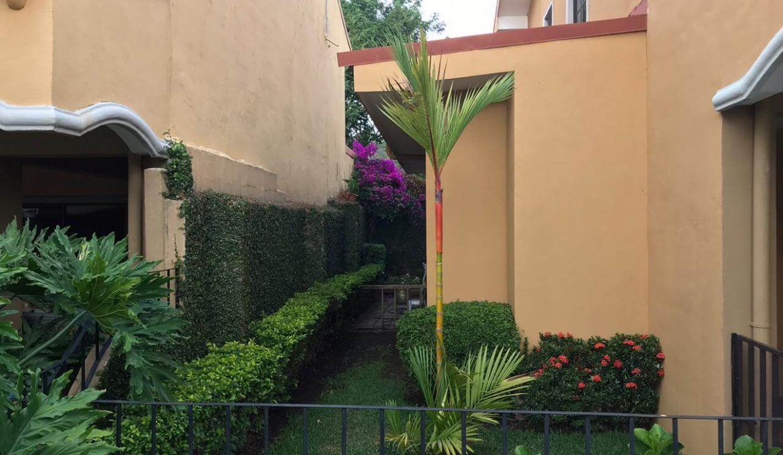 venta-casa-condominio-terranova-santa-ana-premier-propiedades (2)