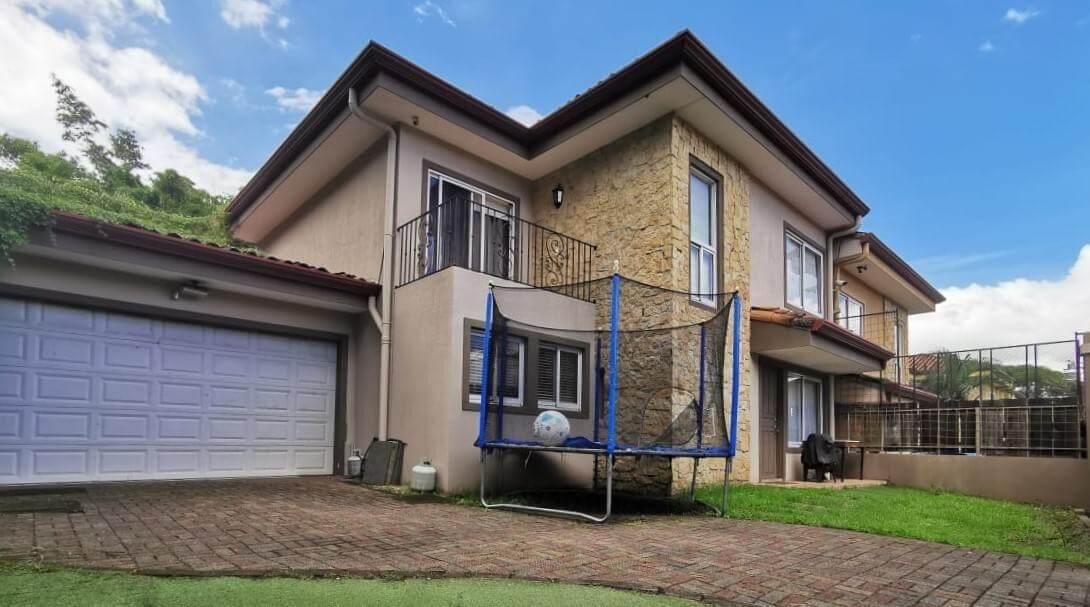 venta-casa-independiente-piedades-santa-ana-premier-propiedades (7)