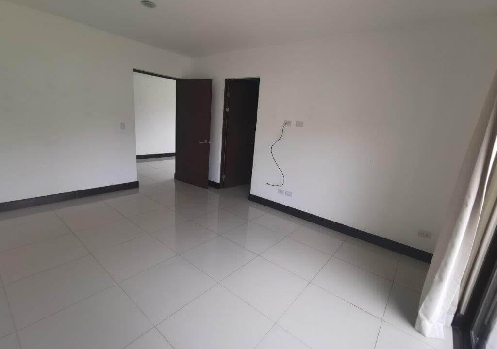 alquilerde-de-casa-en-condominio-parques-del-sol- brasil-de-santa-ana-premier-propiedades (1)