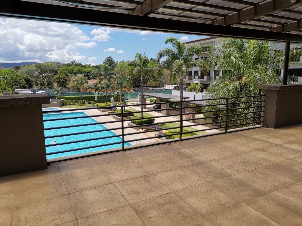 Venta de hermosa casa tipo towns house en Condominio-Parques del Sol-Santa Ana