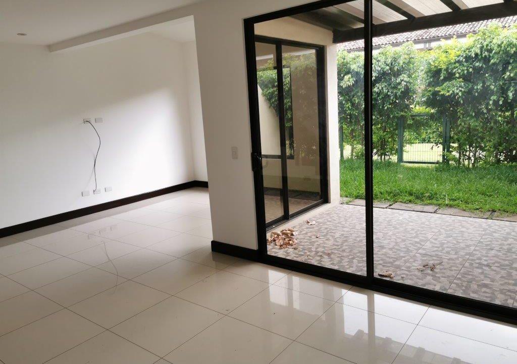 venta-casa-tipo-towns-house-en-Condominio-Parques-del-Sol-Santa-Ana-premier-propiedades (4)