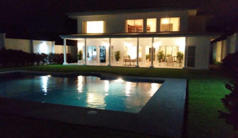 venta-casa-brasil-de-mora-ciudad-colon-santa-ana (2)