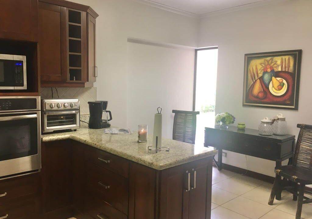venta-casa-en-Condominio-Montemar-Urbanización Loma Real-guachipelin-escazu-premier-propiedades (17)