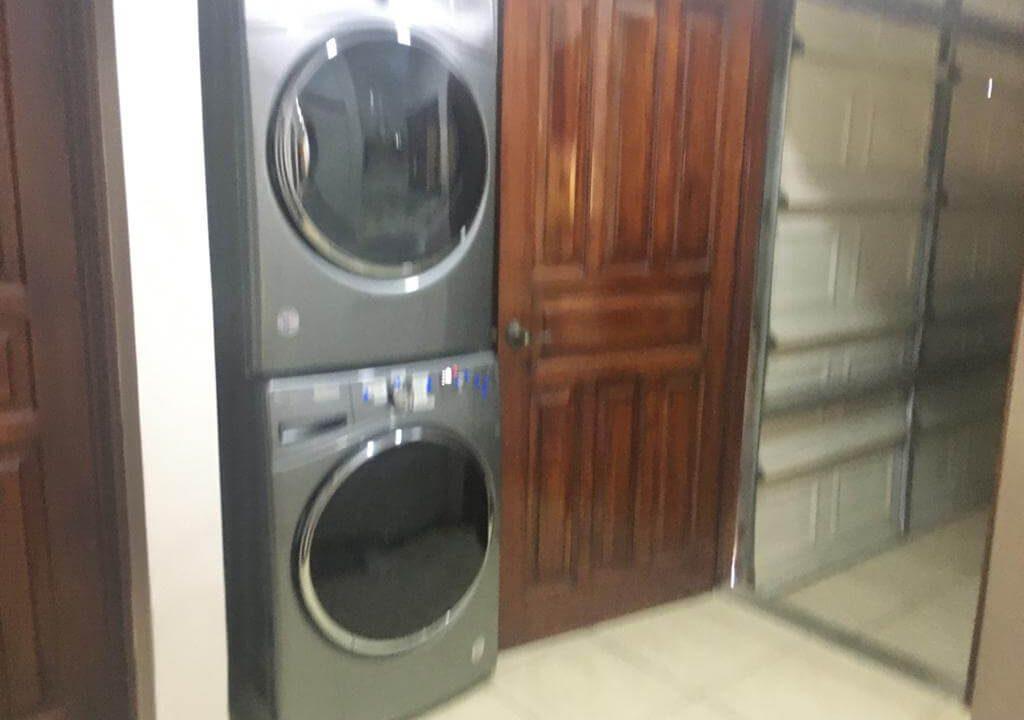 venta-casa-en-Condominio-Montemar-Urbanización Loma Real-guachipelin-escazu-premier-propiedades (21)