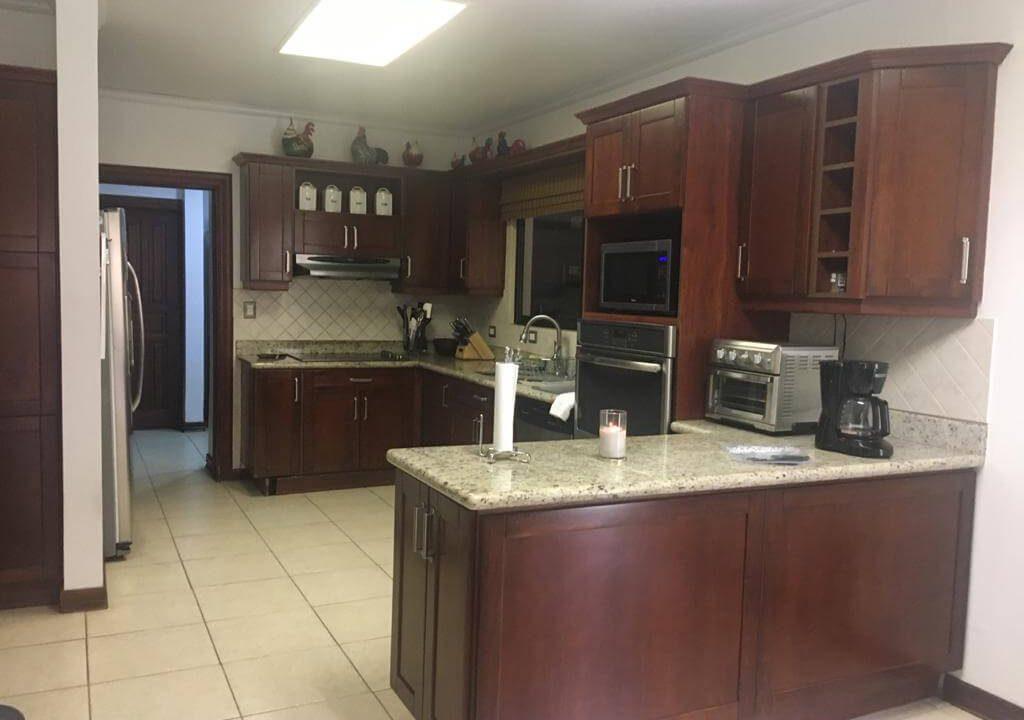 venta-casa-en-Condominio-Montemar-Urbanización Loma Real-guachipelin-escazu-premier-propiedades (25)