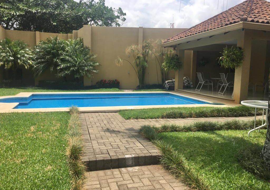 venta-casa-en-Condominio-Montemar-Urbanización Loma Real-guachipelin-escazu-premier-propiedades (5)