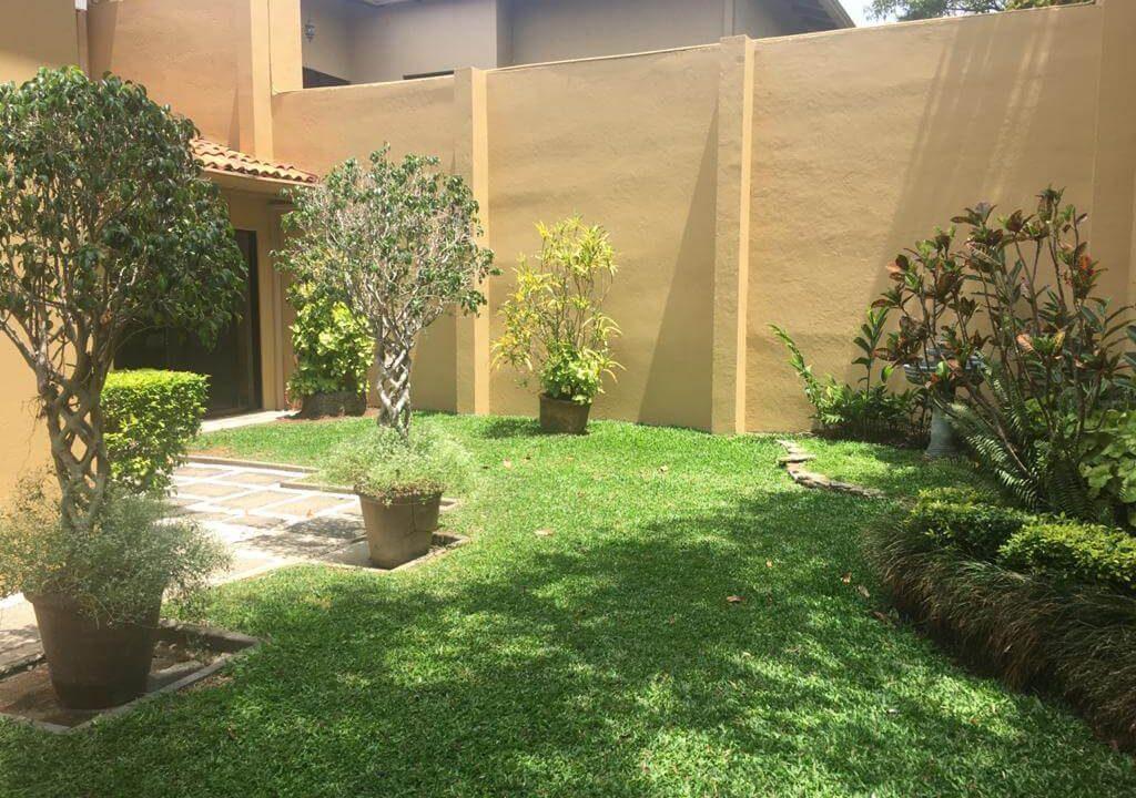 venta-casa-en-Condominio-Montemar-Urbanización Loma Real-guachipelin-escazu-premier-propiedades (7)