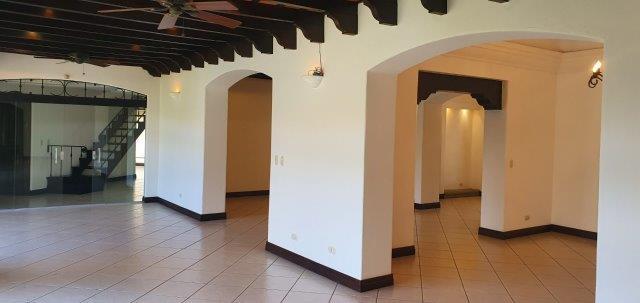 Alquiler-casa-una-planta-santa-ana-lindora-bosques-de-lindora-premier-propiedades (11)