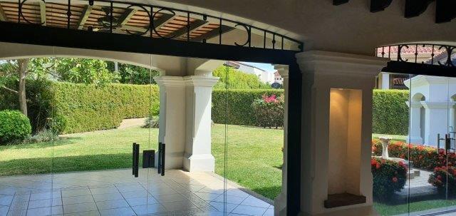 Alquiler-casa-una-planta-santa-ana-lindora-bosques-de-lindora-premier-propiedades (12)