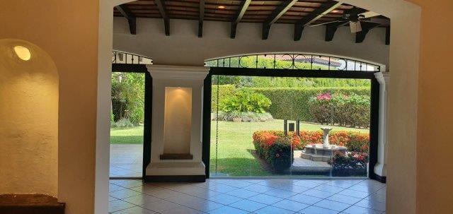 Alquiler-casa-una-planta-santa-ana-lindora-bosques-de-lindora-premier-propiedades (13)