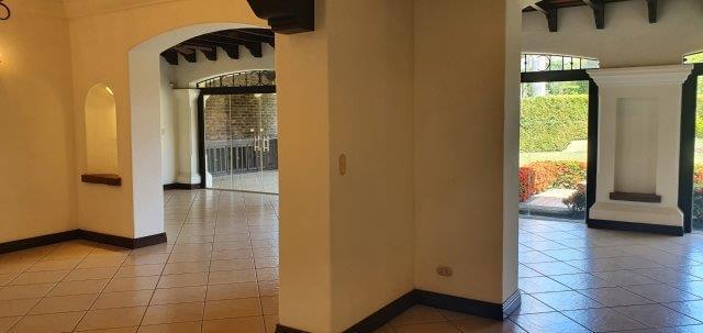 Alquiler-casa-una-planta-santa-ana-lindora-bosques-de-lindora-premier-propiedades (6)