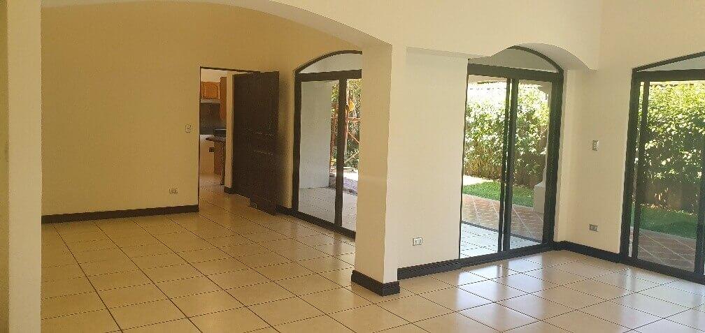 Venta-casa-una-planta-en Santa Ana-Lindora-Condominio-Vista-Verde-premier-propiedades (11)
