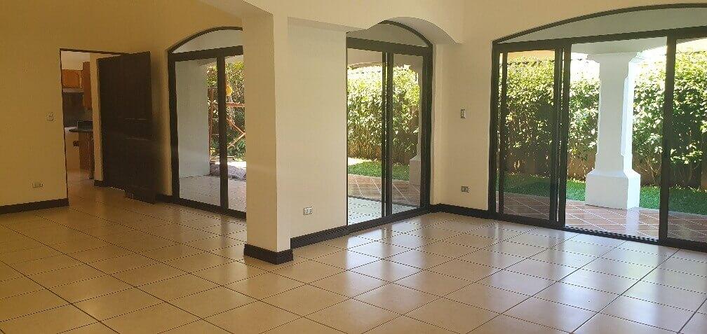 Venta-casa-una-planta-en Santa Ana-Lindora-Condominio-Vista-Verde-premier-propiedades (12)