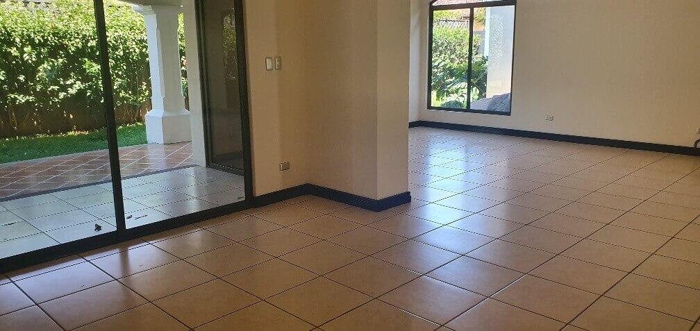 Venta-casa-una-planta-en Santa Ana-Lindora-Condominio-Vista-Verde-premier-propiedades (15)