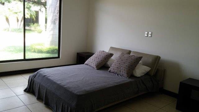 Venta-casa-una-planta-en Santa Ana-Lindora-Condominio-Vista-Verde-premier-propiedades (24)