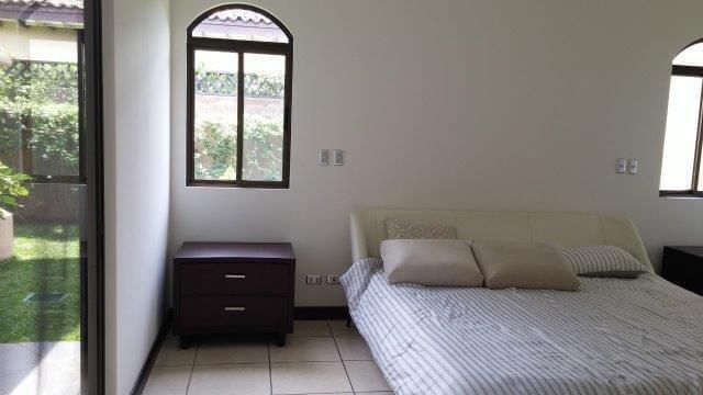 Venta-casa-una-planta-en Santa Ana-Lindora-Condominio-Vista-Verde-premier-propiedades (27)
