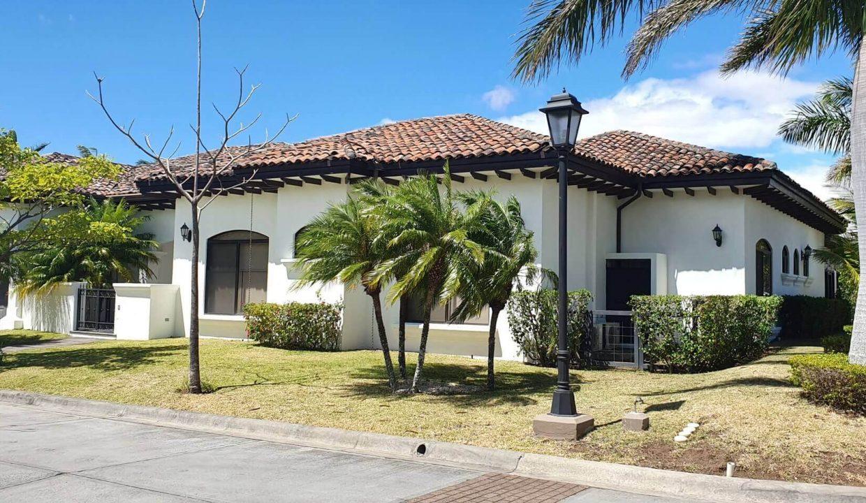 Venta-casa-una-planta-en Santa Ana-Lindora-Condominio-Vista-Verde-premier-propiedades (4)