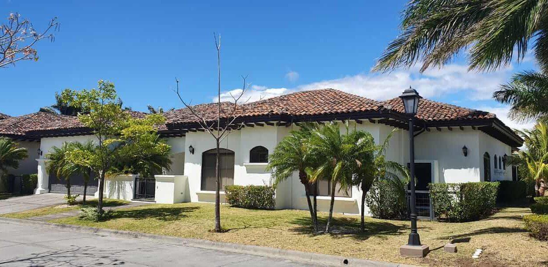 Venta-casa-una-planta-en Santa Ana-Lindora-Condominio-Vista-Verde-premier-propiedades (42)