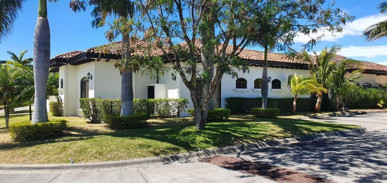 Venta-casa-una-planta-en Santa Ana-Lindora-Condominio-Vista-Verde
