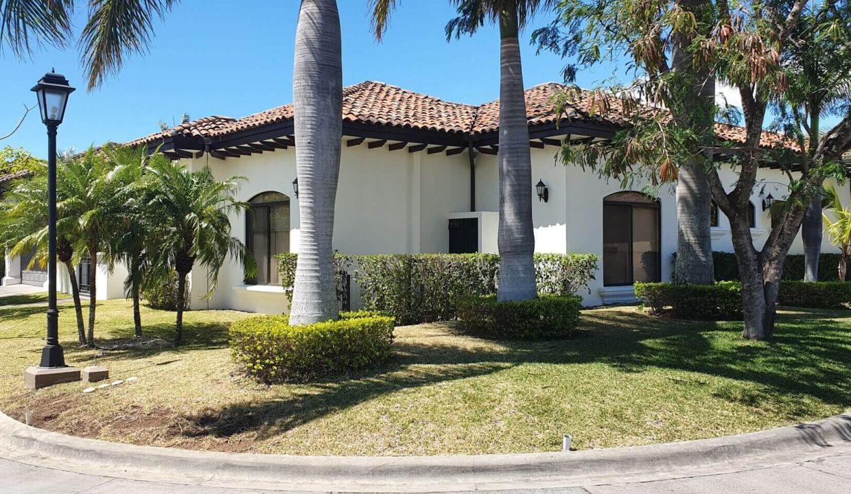 Venta-casa-una-planta-en Santa Ana-Lindora-Condominio-Vista-Verde-premier-propiedades (5)