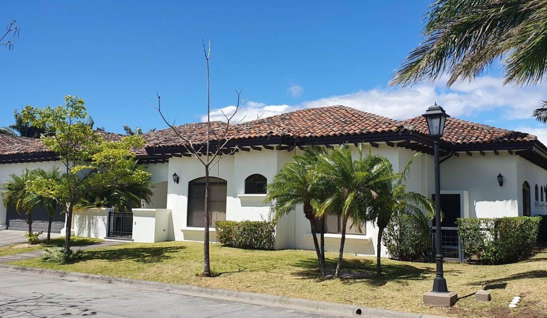 Venta-casa-una-planta-en Santa Ana-Lindora-Condominio-Vista-Verde-premier-propiedades (7)