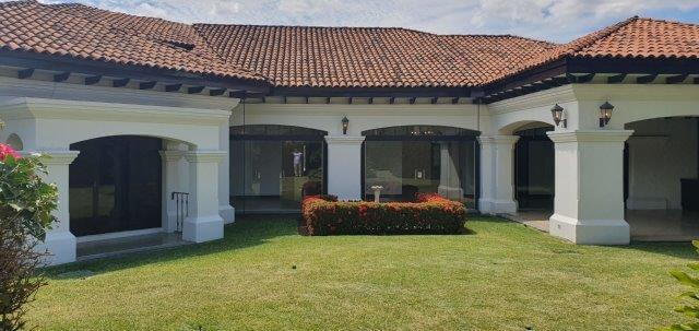 Venta-casa-una-planta-santa-ana-lindora-bosques-de-lindora-premier-propiedades (21)