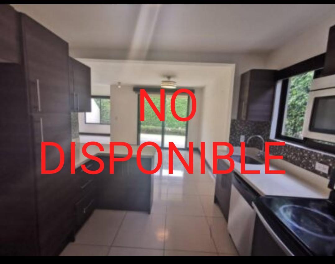 Se alquila casa-Santa Ana- Pozos-Condominio Almeria