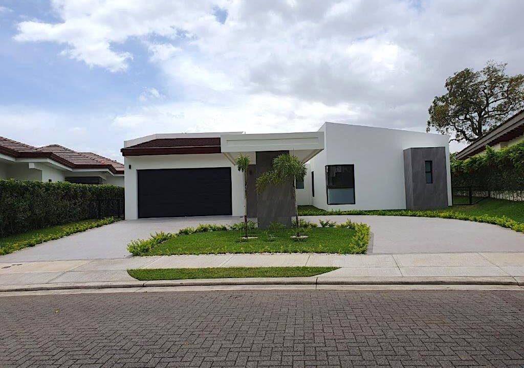 alquiler-casa-una-planta-santa-ana-piedades-hacienda-del-bosque-premier-propiedades (2)