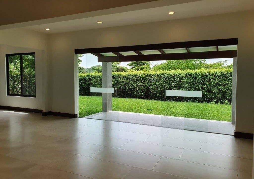 alquiler-casa-una-planta-santa-ana-piedades-hacienda-del-bosque-premier-propiedades (21)