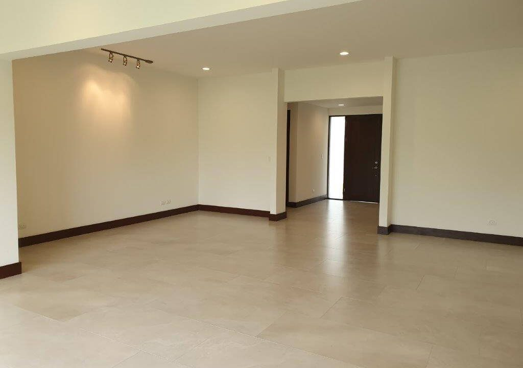 venta-casa-una-planta-santa-ana-piedades-hacienda-del-bosque-premier-propiedades (15)