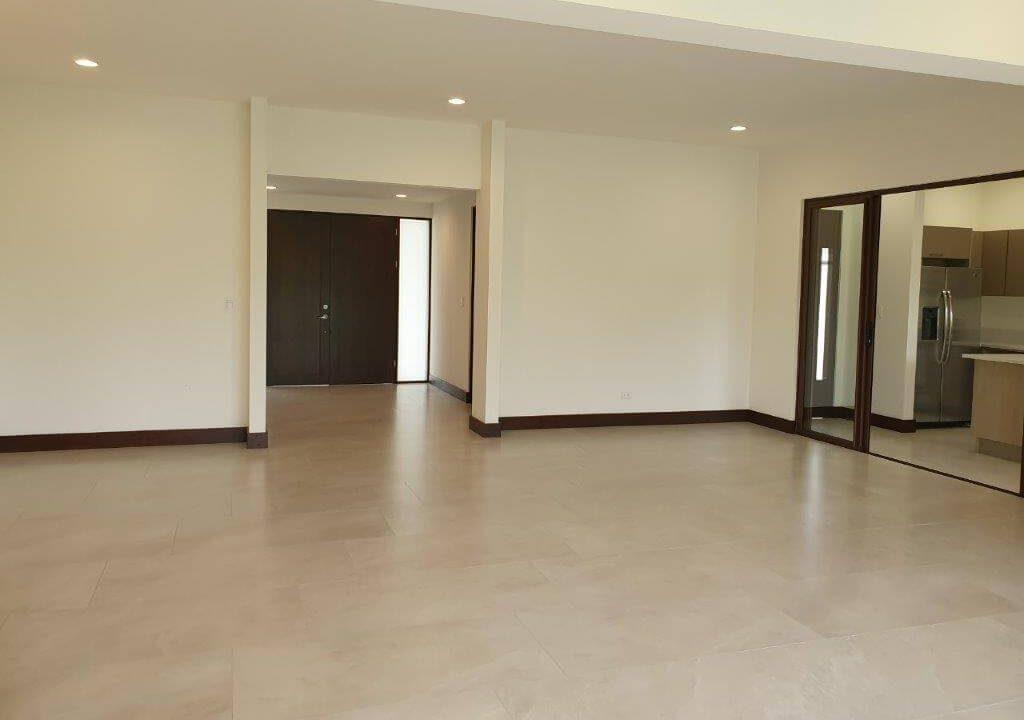 venta-casa-una-planta-santa-ana-piedades-hacienda-del-bosque-premier-propiedades (18)