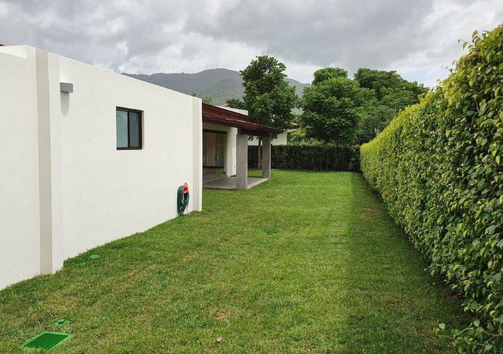 venta-casa-una-planta-santa-ana-piedades-hacienda-del-bosque-premier-propiedades (28)