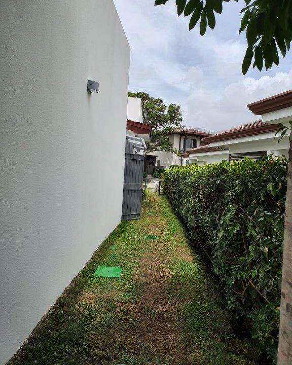 venta-casa-una-planta-santa-ana-piedades-hacienda-del-bosque-premier-propiedades (31)