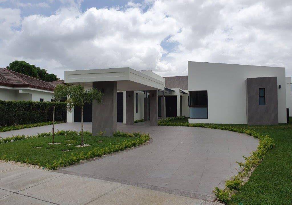venta-casa-una-planta-santa-ana-piedades-hacienda-del-bosque-premier-propiedades (4)