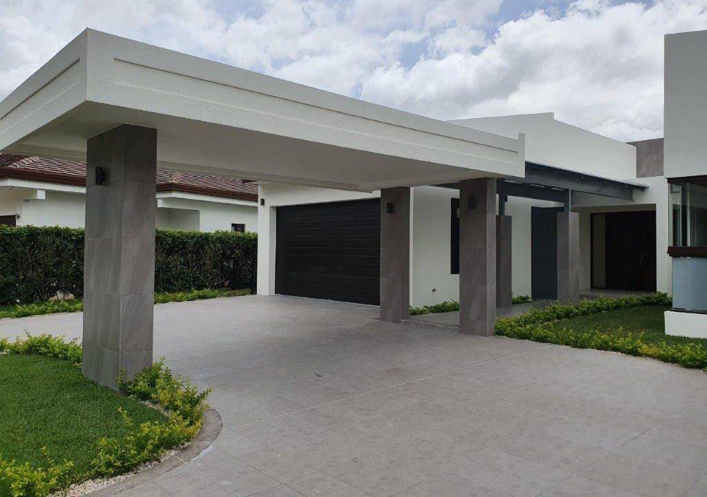 venta-casa-una-planta-santa-ana-piedades-hacienda-del-bosque-premier-propiedades (7)