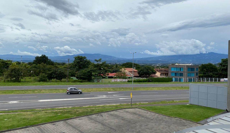Venta-local-u- oficinas-Santa- Ana-premier-propiedades (2)